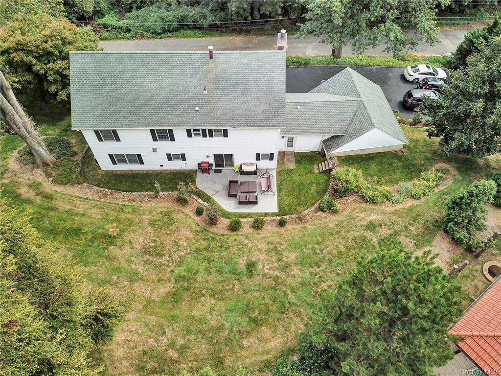 3. Single Family Home for Sale at 4 Old Road E Elmsford, New York, 10523 United States