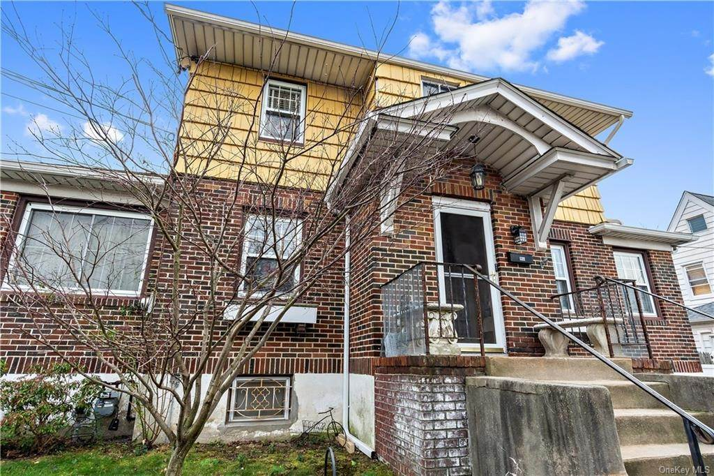 3. Single Family Home for Sale at 12 Hill Terrace Yonkers, New York, 10701 United States