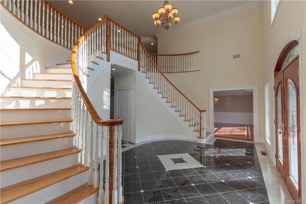 3. Single Family Home for Sale at 51 Juniper Terrace Tuxedo Park, New York, 10987 United States