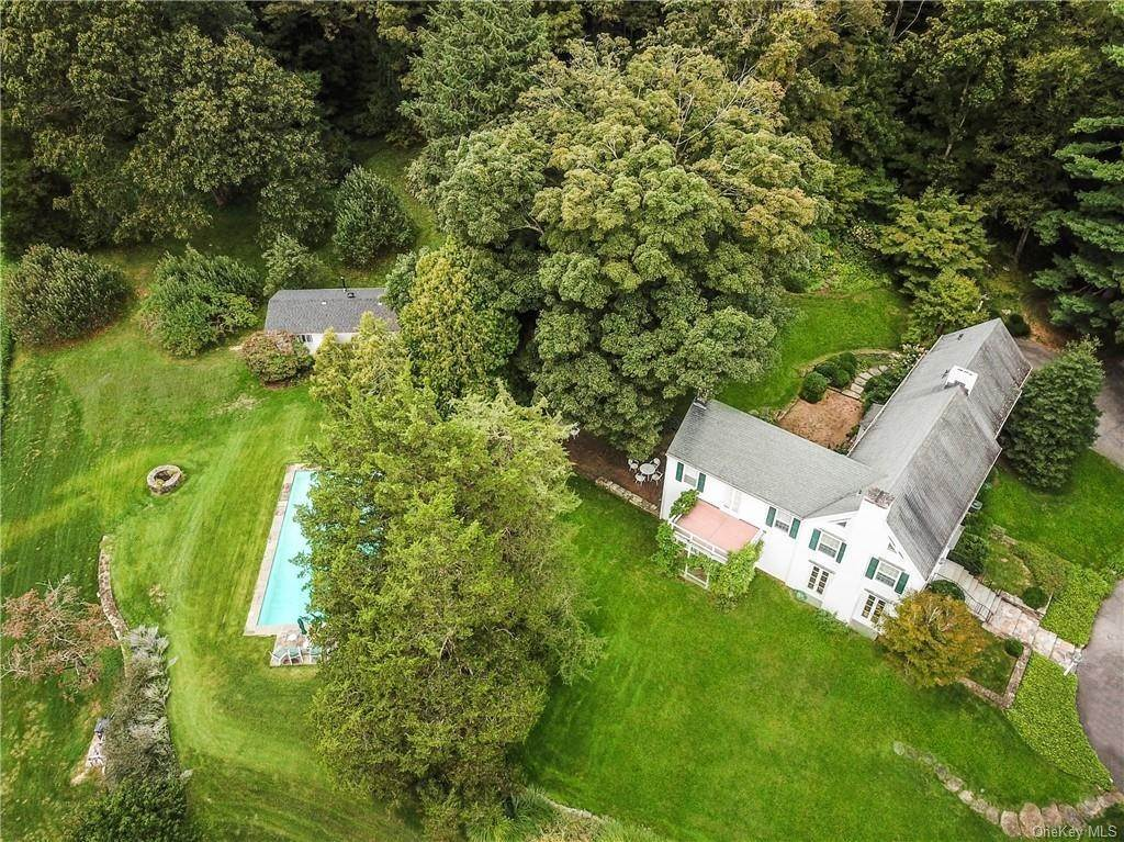 3. Single Family Home for Sale at 129 Fox Lane Bedford Corners, New York, 10549 United States