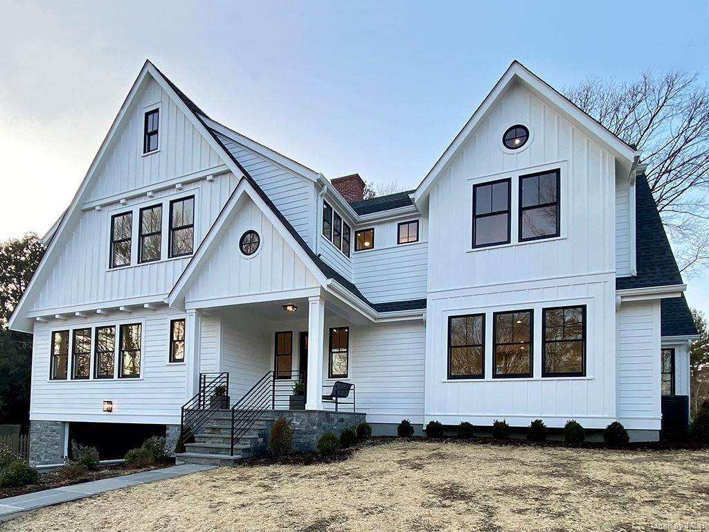 3. Single Family Home for Sale at 935 Protano Lane Mamaroneck, New York, 10543 United States