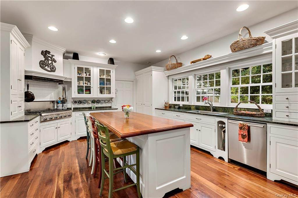 3. Rental Communities for Rent at 419 Cantitoe Street Bedford Hills, New York, 10507 United States