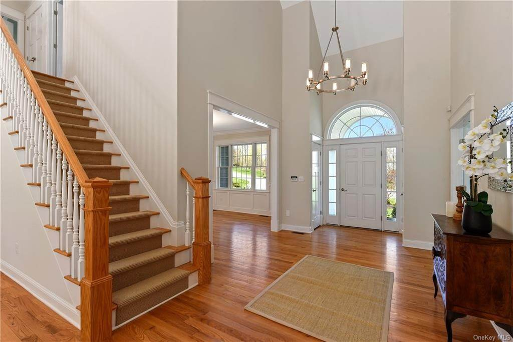 3. Single Family Home for Sale at 76 Mayflower Lane Katonah, New York, 10536 United States
