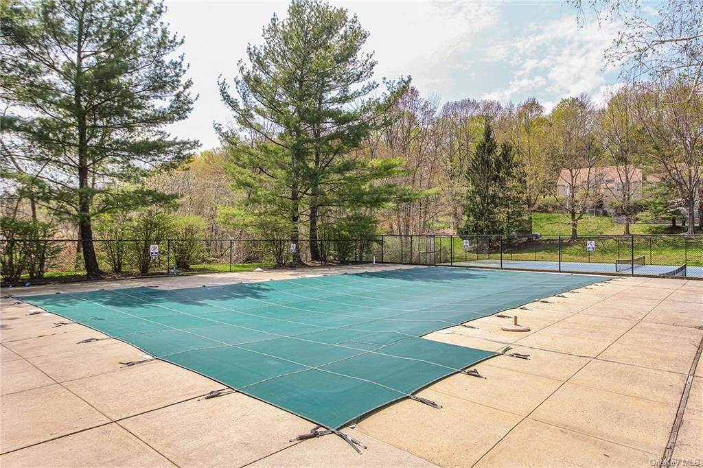30. Rental Communities for Rent at 58 Pond View Lane Chappaqua, New York, 10514 United States