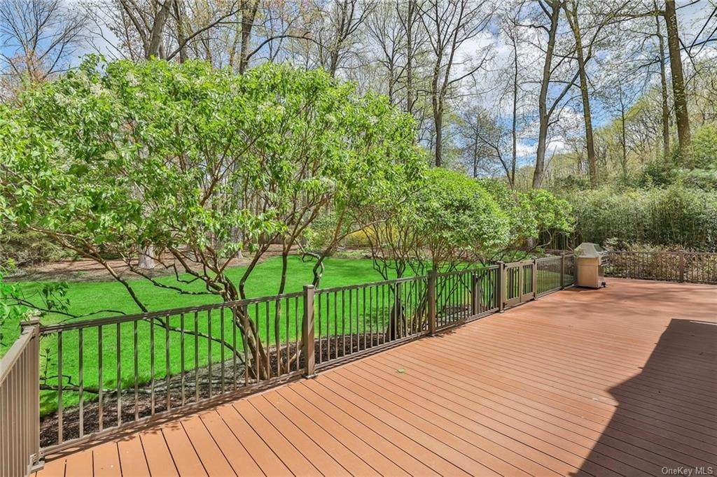 30. Single Family Home for Sale at 1A Century Road Palisades, New York, 10964 United States