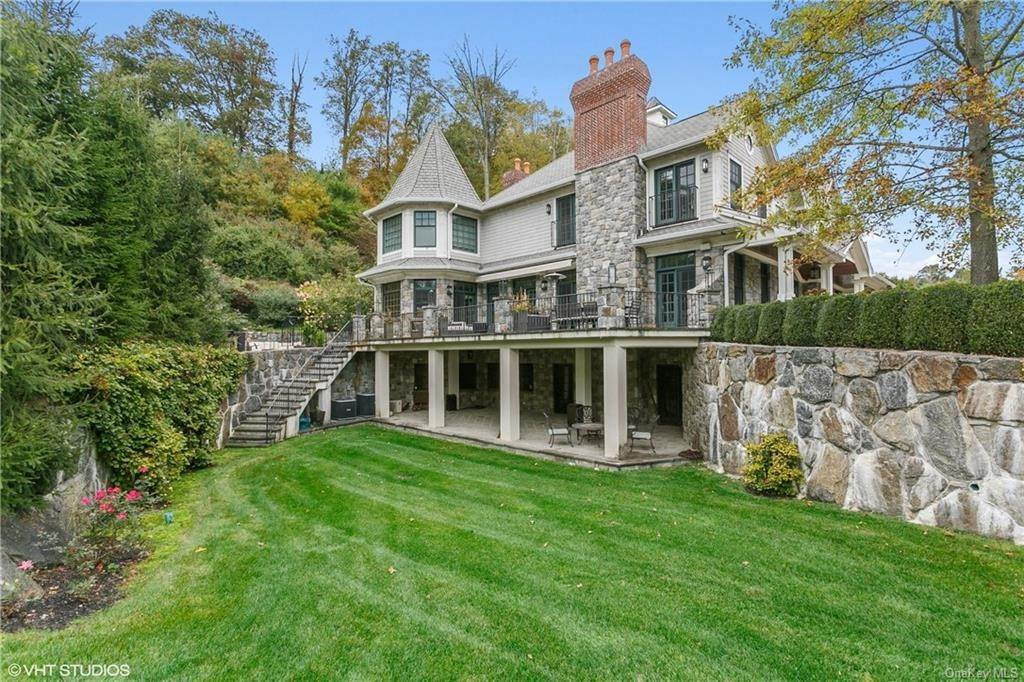 30. Single Family Home for Sale at 46 Wrights Mill Road Armonk, New York, 10504 United States