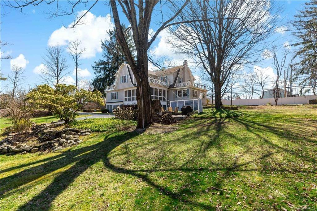 30. Single Family Home for Sale at 2032 Crompond Road Cortlandt Manor, New York, 10567 United States