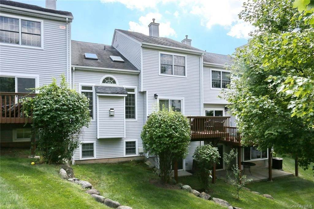 31. Single Family Home for Sale at 17 Forest Ridge Road Nyack, New York, 10960 United States