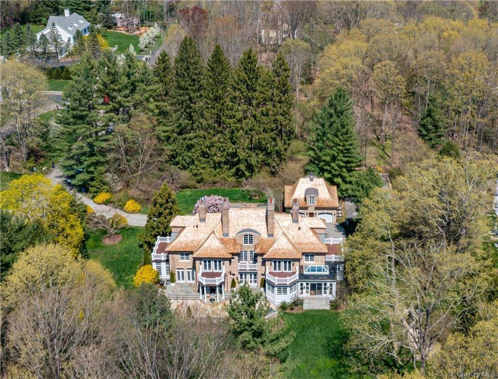 31. Single Family Home por un Venta en 24 Heathcote Drive Mount Kisco, Nueva York, 10549 Estados Unidos