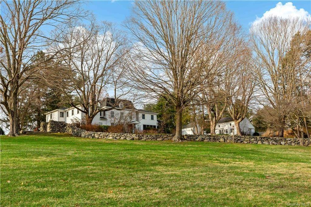 31. Single Family Home for Sale at 630 Birdsall Drive Yorktown Heights, New York, 10598 United States