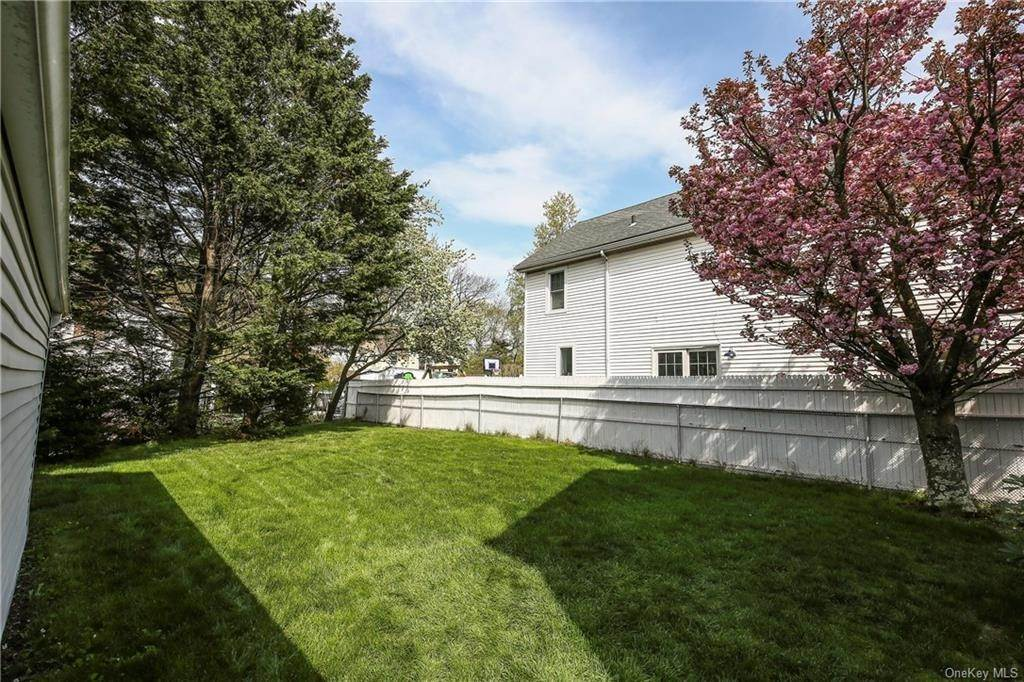 31. Single Family Home for Sale at 211 Oakland Beach Avenue Rye, New York, 10580 United States