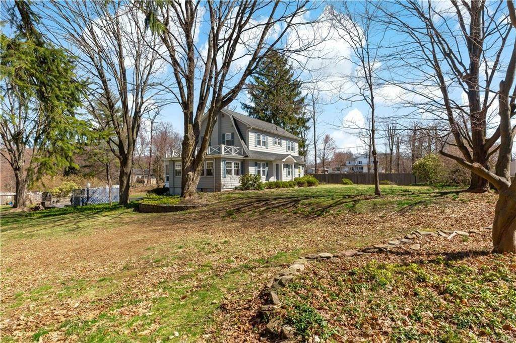 31. Single Family Home for Sale at 2032 Crompond Road Cortlandt Manor, New York, 10567 United States