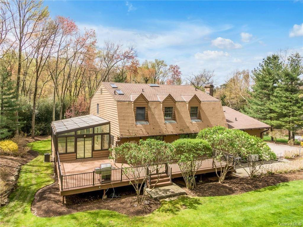 32. Single Family Home for Sale at 1A Century Road Palisades, New York, 10964 United States