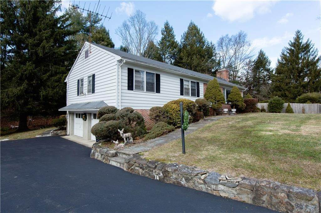 32. Single Family Home for Sale at 70 Goldens Bridge Road Katonah, New York, 10536 United States