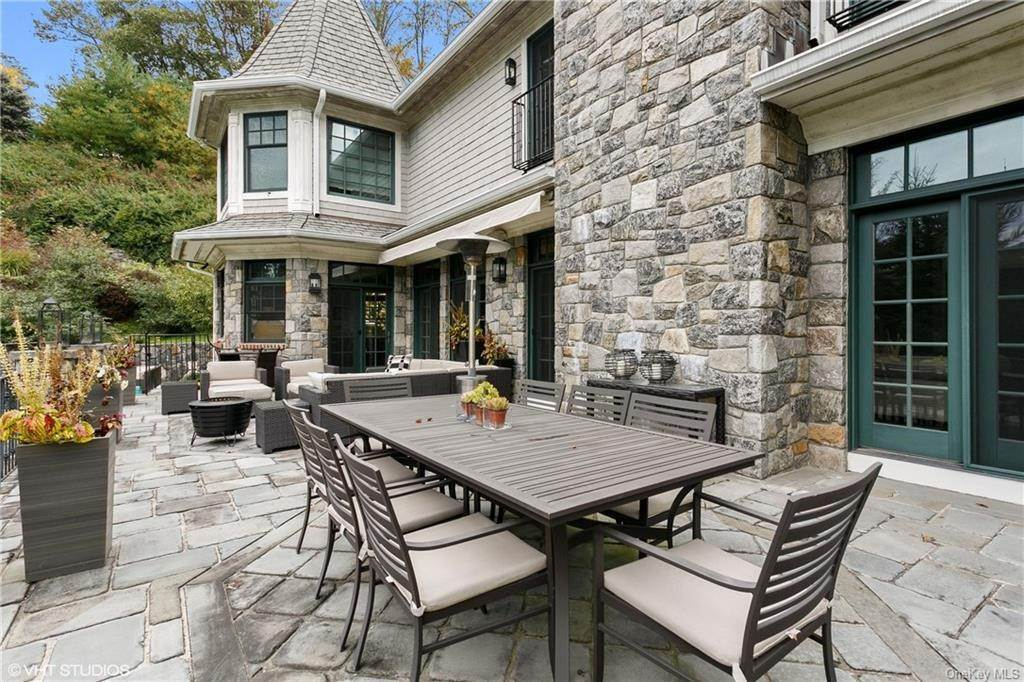 32. Single Family Home for Sale at 46 Wrights Mill Road Armonk, New York, 10504 United States