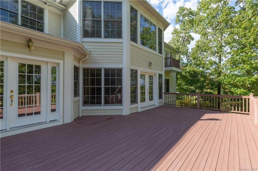 32. Single Family Home for Sale at 51 Juniper Terrace Tuxedo Park, New York, 10987 United States