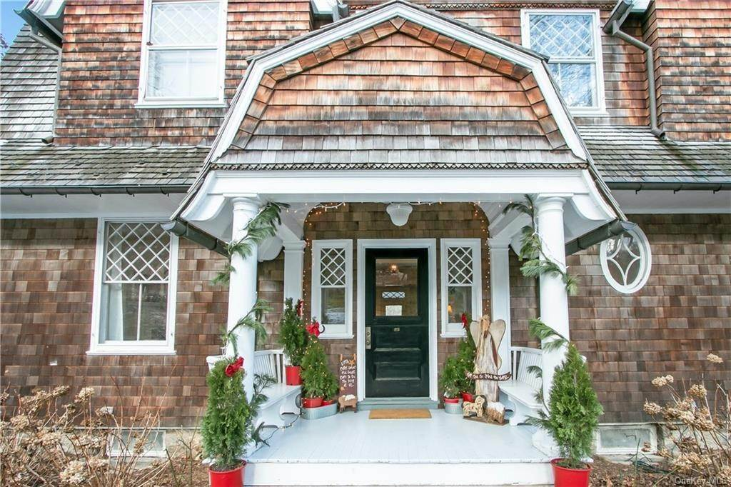 32. Single Family Home for Sale at 18 Pepperidge Road Tuxedo Park, New York, 10987 United States