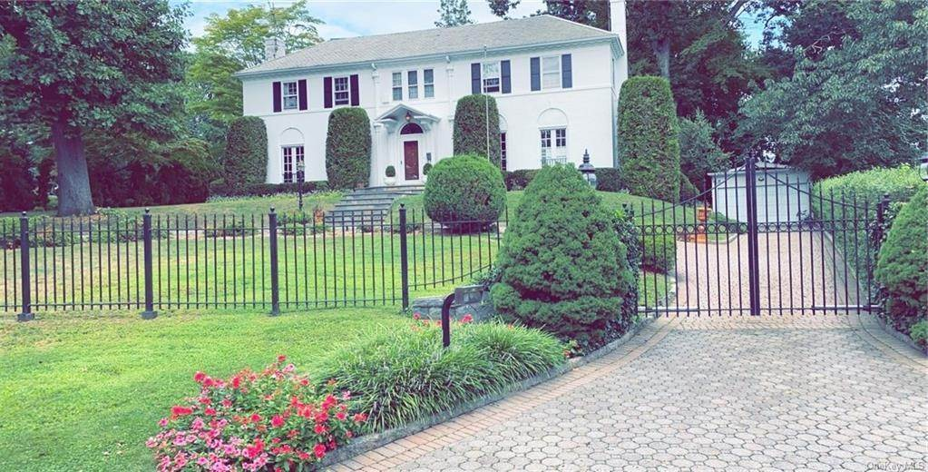 32. Single Family Home for Sale at 62 Cortlandt Avenue New Rochelle, New York, 10801 United States