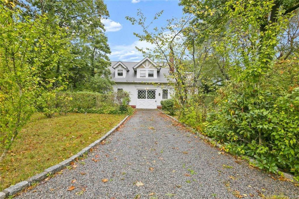 33. Single Family Home for Sale at 39 Potters Lane New Rochelle, New York, 10805 United States