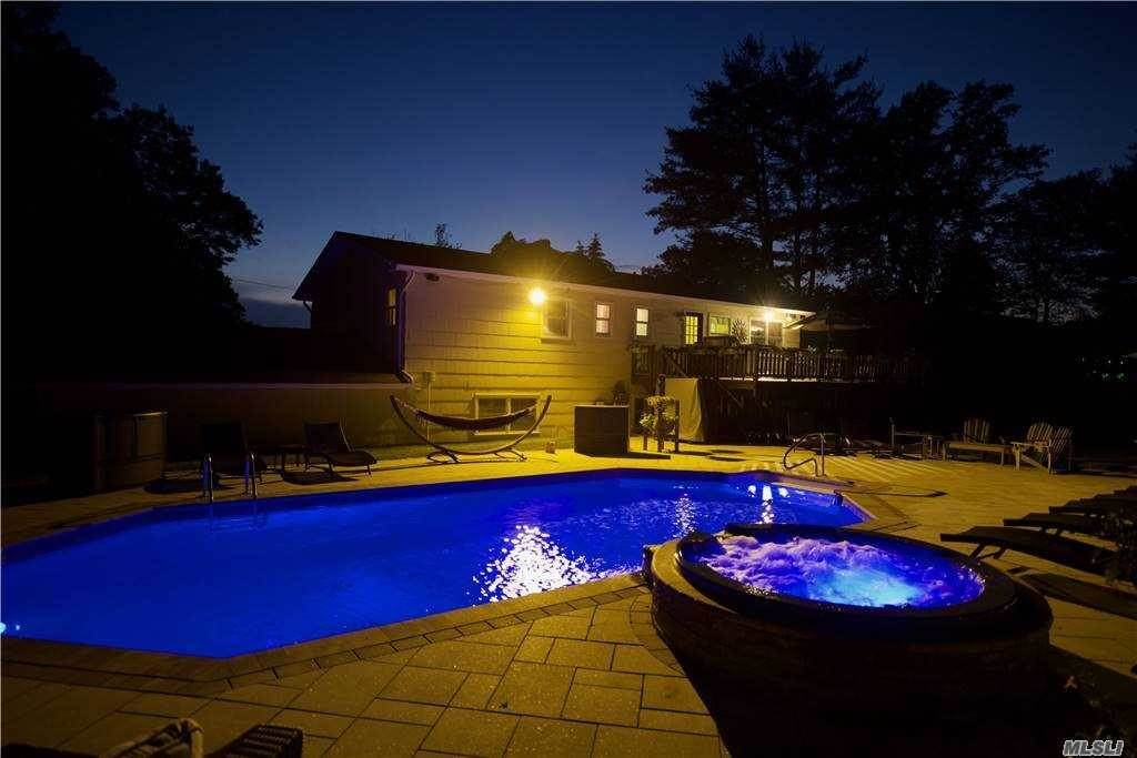 33. Single Family Home for Sale at 12 Landau Lane Spring Valley, New York, 10977 United States