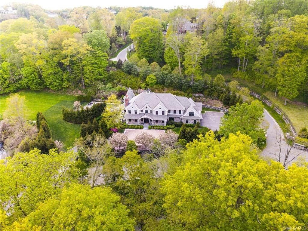 33. Single Family Home for Sale at 46 Wrights Mill Road Armonk, New York, 10504 United States