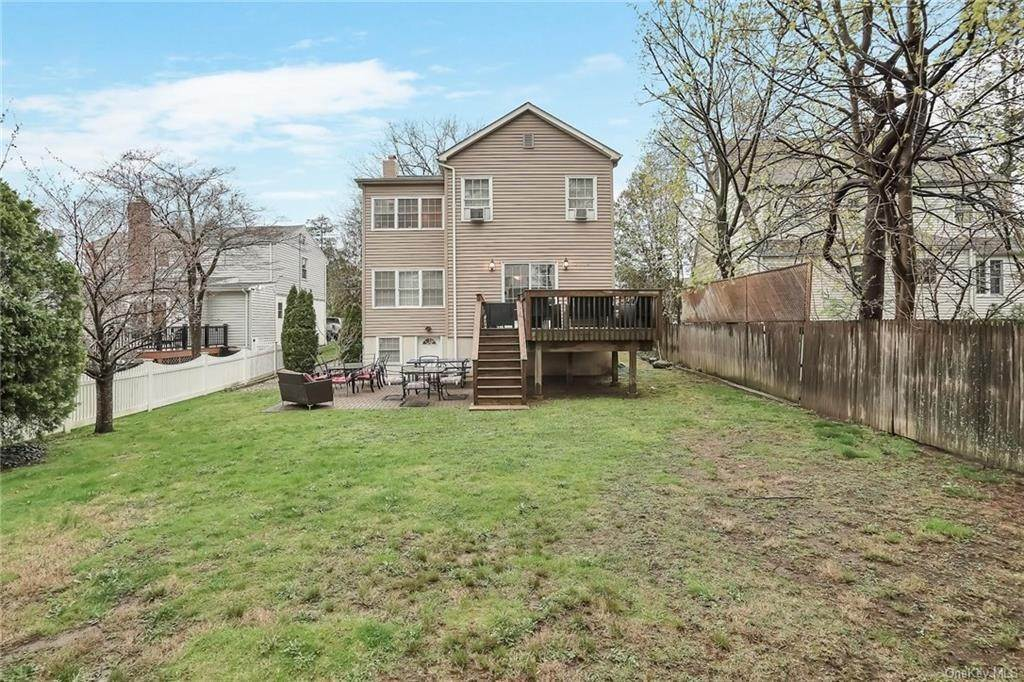 33. Single Family Home for Sale at 20 Deerfield Avenue Eastchester, New York, 10709 United States