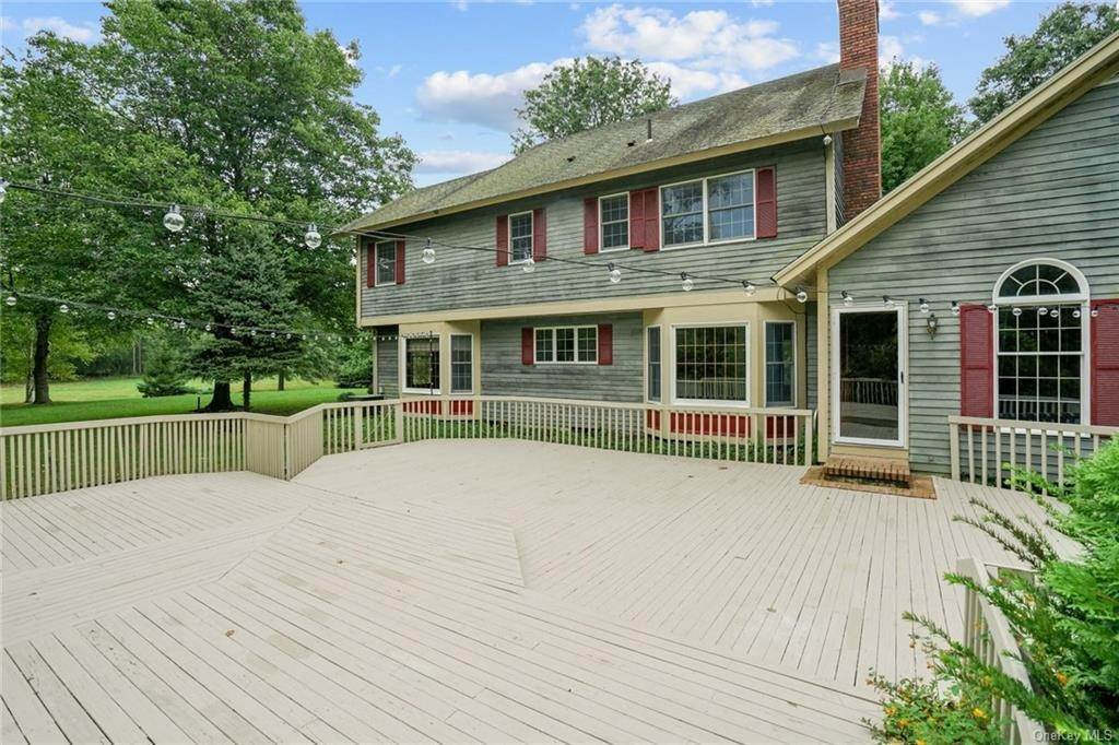 33. Single Family Home for Sale at 184 Sarah Wells Trail Campbell Hall, New York, 10916 United States