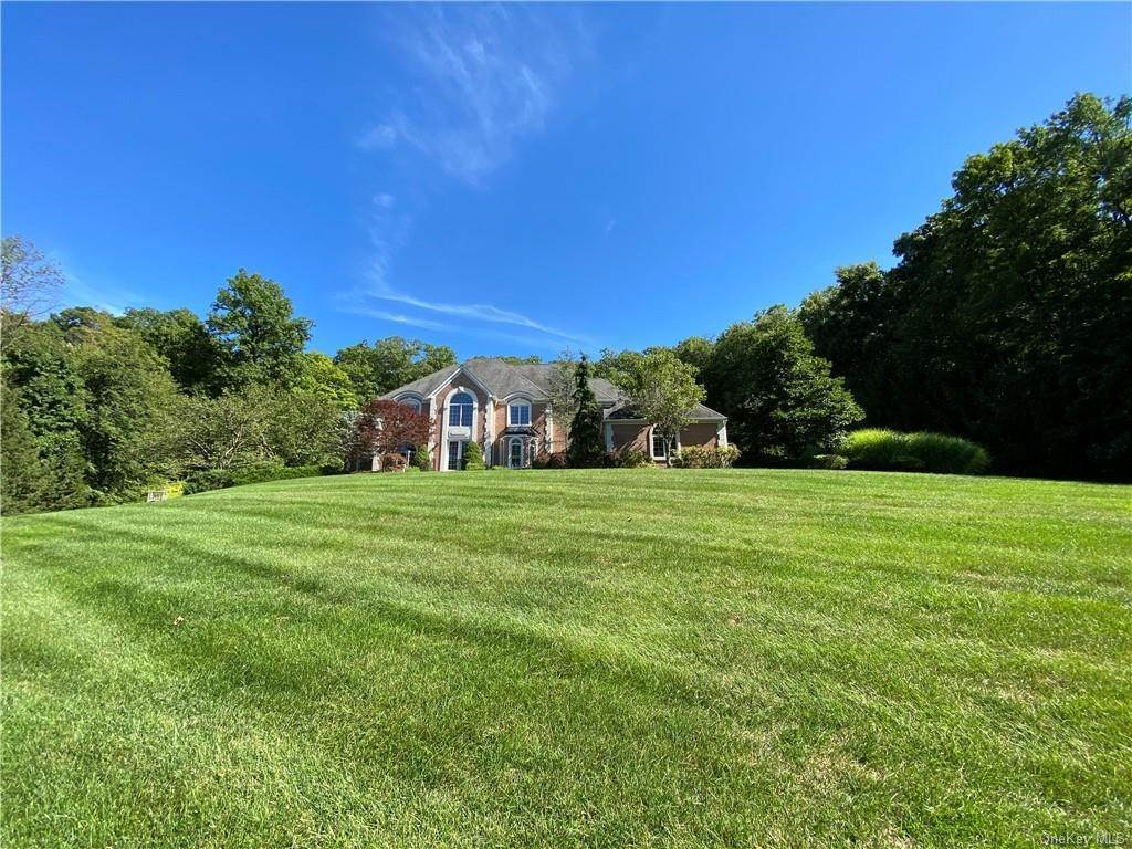 33. Single Family Home for Sale at 29 Helmstown Court Tuxedo Park, New York, 10987 United States