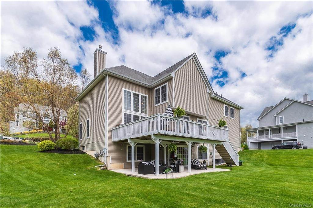 34. Single Family Home for Sale at 16 Heather Ridge Highland Mills, New York, 10930 United States