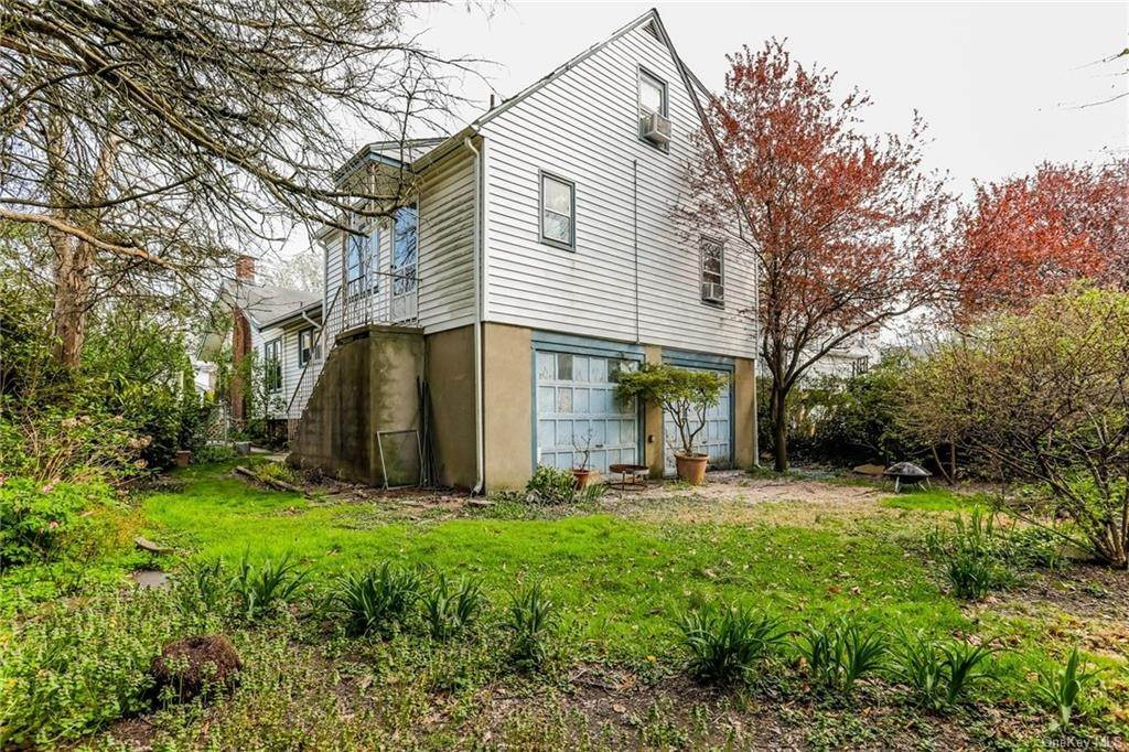 34. Single Family Home for Sale at 324 5th Avenue New Rochelle, New York, 10801 United States