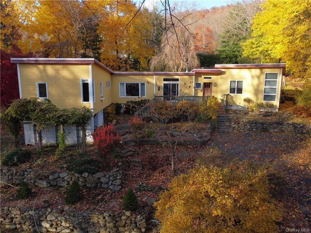 34. Single Family Home for Sale at 251 S Mountain Road New City, New York, 10956 United States