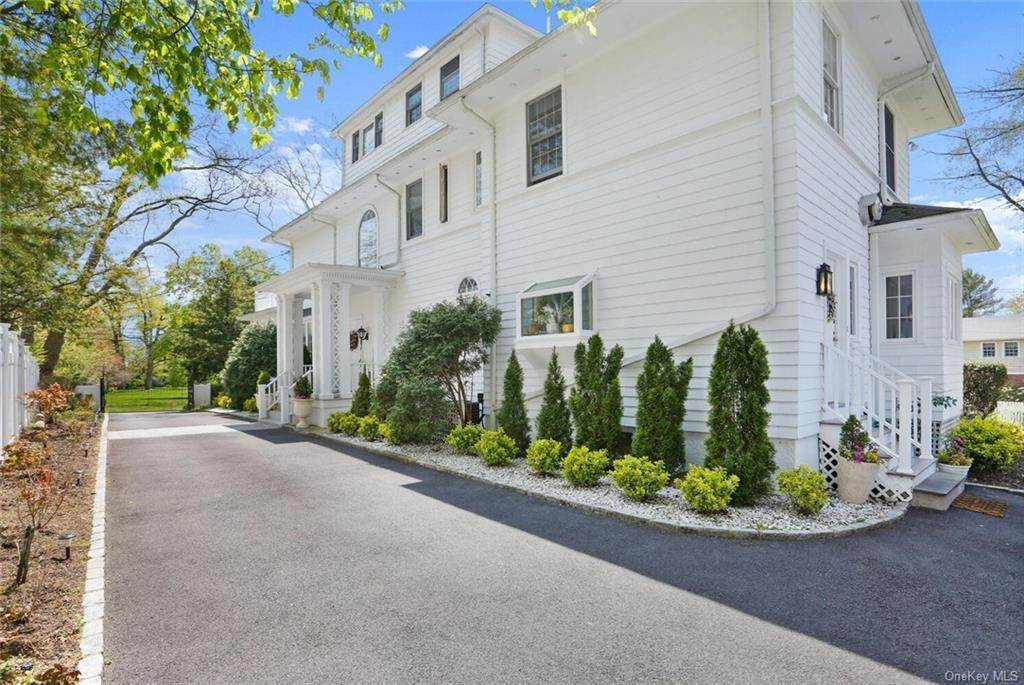 35. Single Family Home for Sale at 30 Dupont Avenue White Plains, New York, 10605 United States