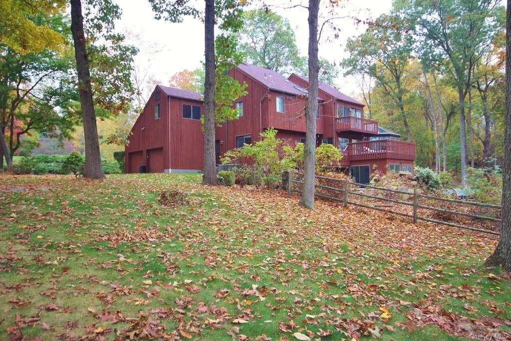 35. Single Family Home pour l Vente à 81 Quaker Hill Drive Croton On Hudson, New York, 10520 États-Unis