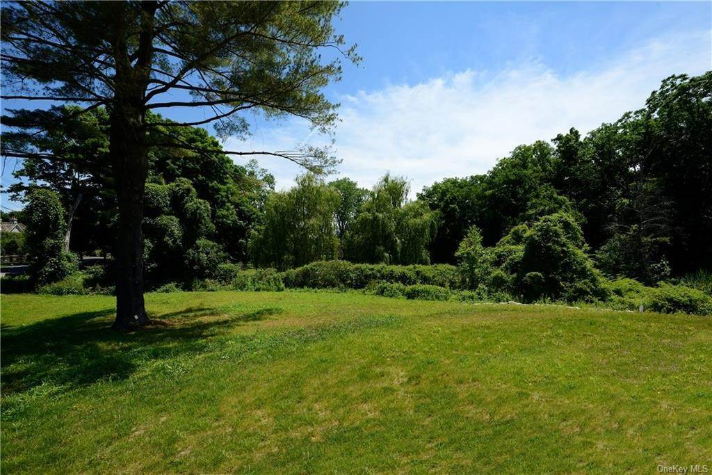 35. Single Family Home for Sale at 19 Rockledge Road Rye, New York, 10580 United States