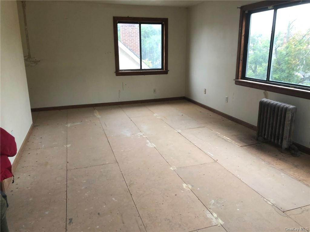 35. Single Family Home for Sale at 160-164 Elm Avenue Mount Vernon, New York, 10550 United States