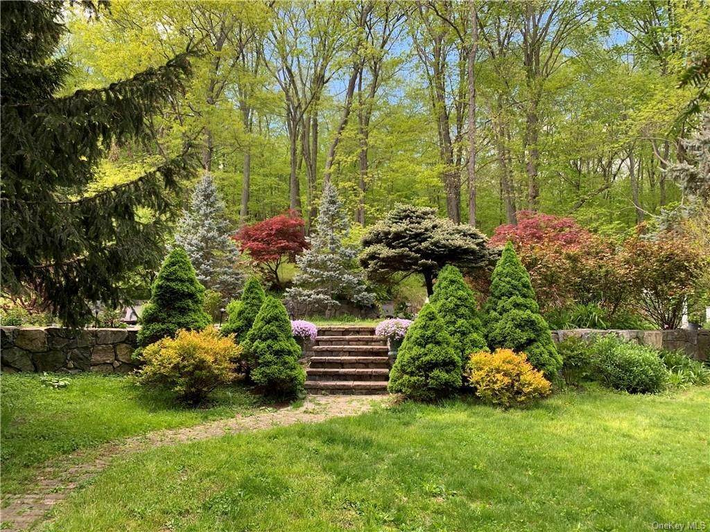 35. Single Family Home pour l Vente à 7 Kniffen Road Katonah, New York, 10536 États-Unis