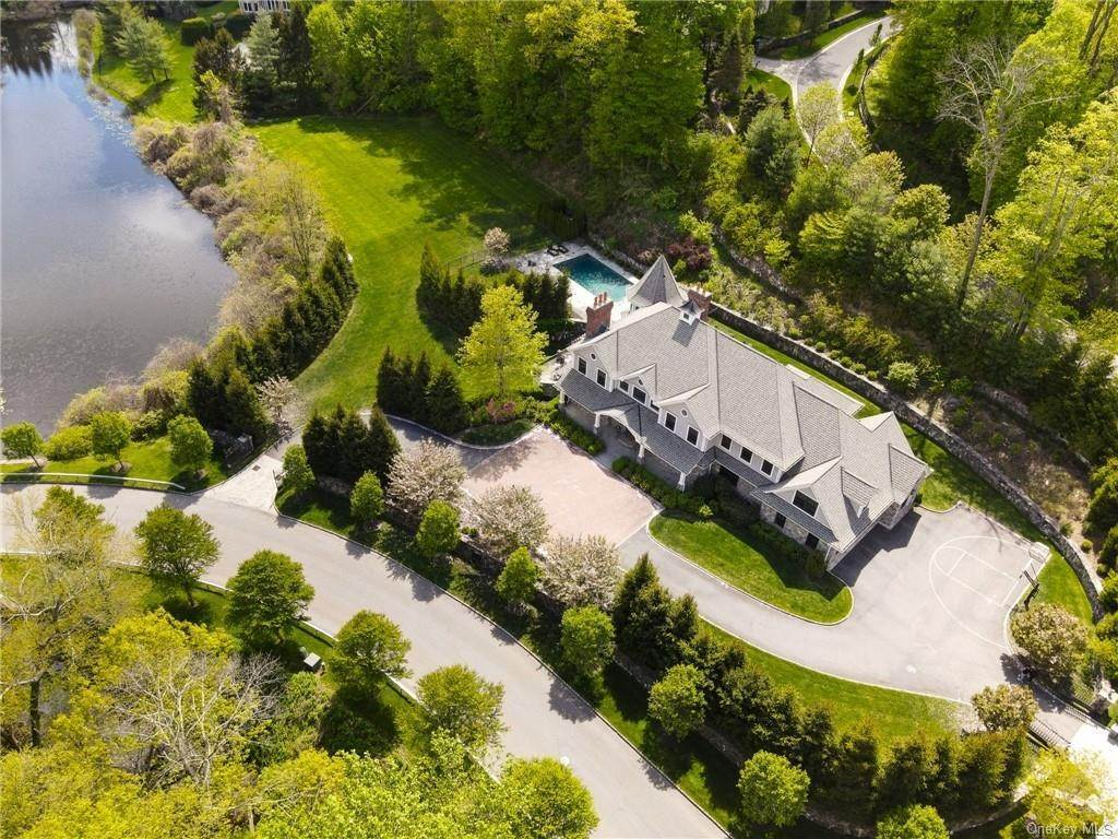 35. Single Family Home for Sale at 46 Wrights Mill Road Armonk, New York, 10504 United States