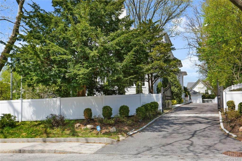 36. Single Family Home for Sale at 30 Dupont Avenue White Plains, New York, 10605 United States