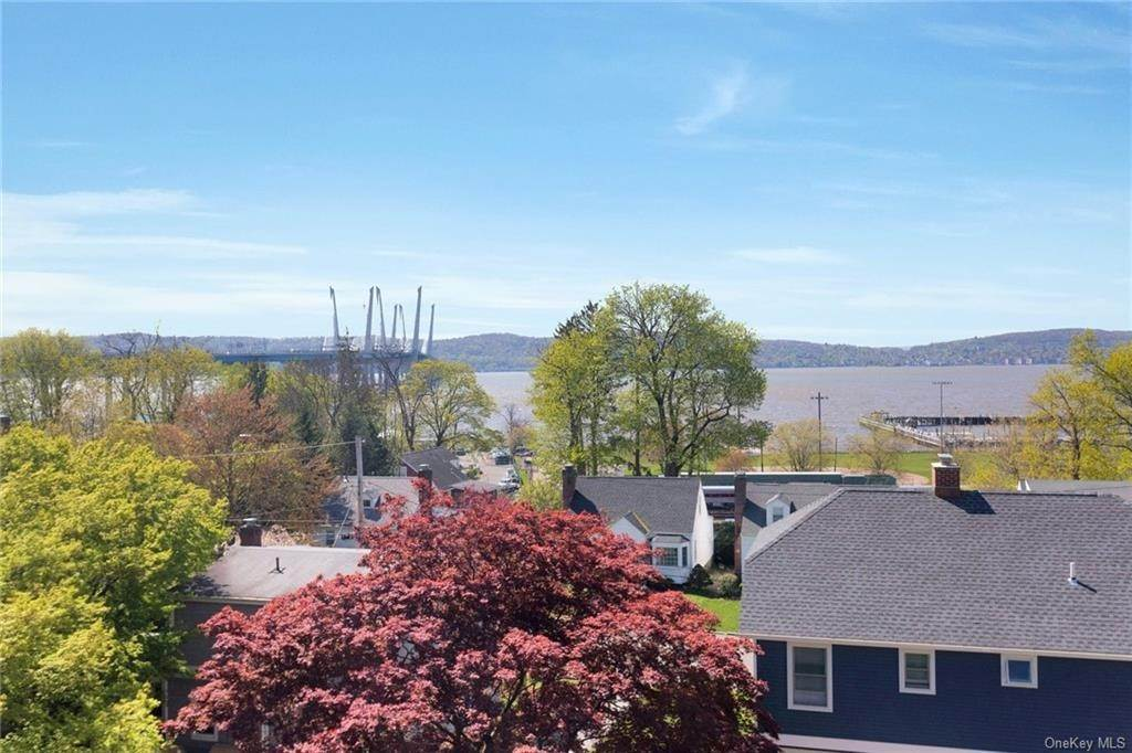 36. Single Family Home for Sale at 89 Riverview Avenue Tarrytown, New York, 10591 United States
