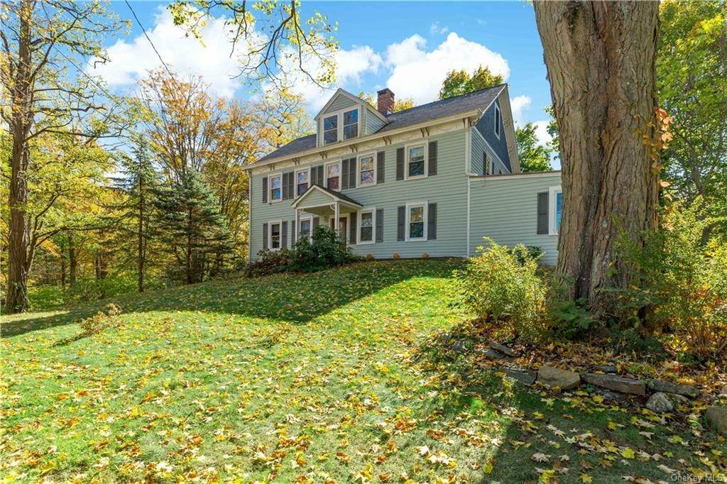 36. Single Family Home for Sale at 1683 Strawberry Road Mohegan Lake, New York, 10547 United States