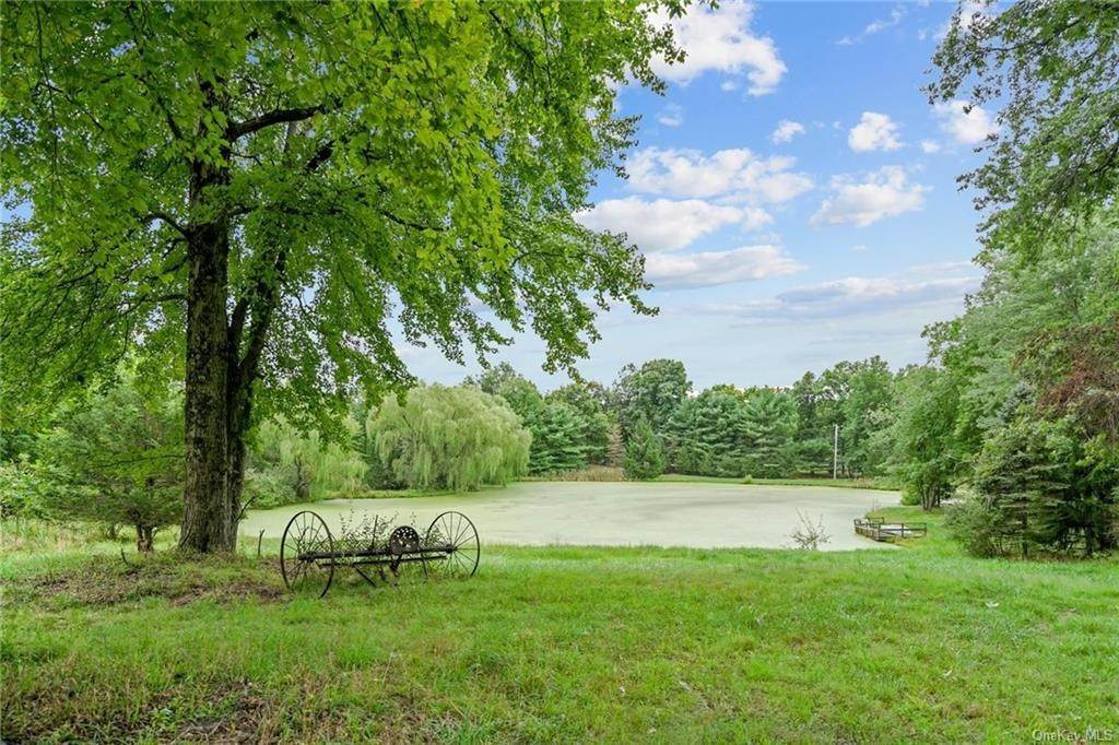 36. Single Family Home for Sale at 184 Sarah Wells Trail Campbell Hall, New York, 10916 United States