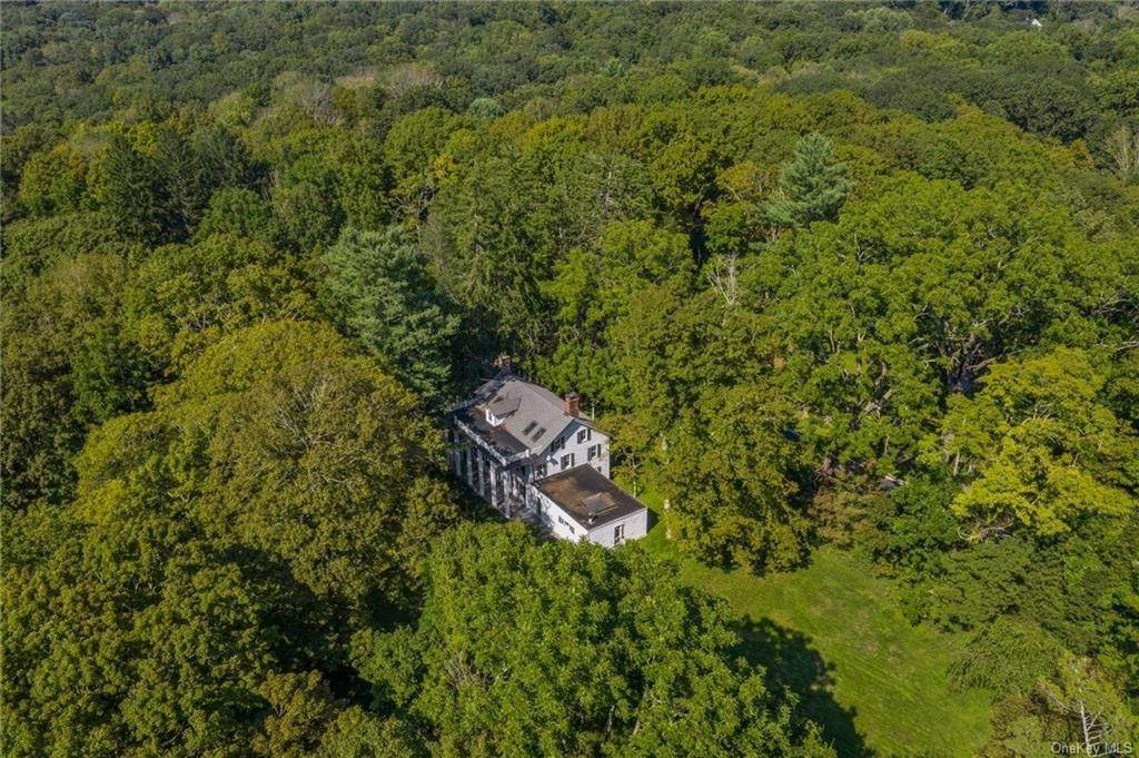 36. Single Family Home for Sale at 233 Long Ridge Road Bedford, New York, 10506 United States
