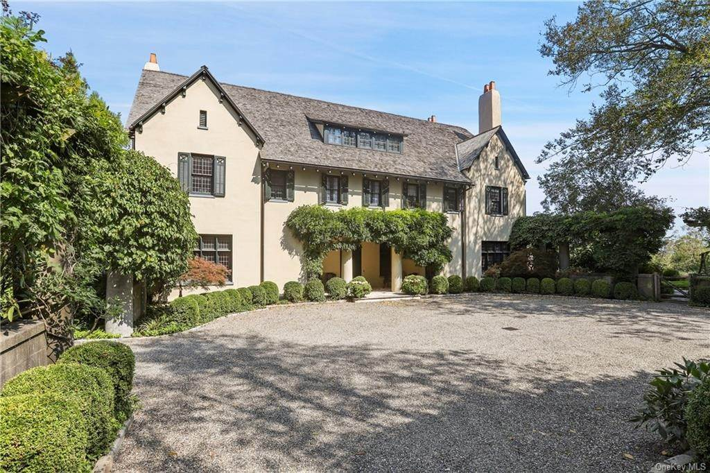 4. Single Family Home for Sale at 10 Broad Brook Road Bedford Hills, New York, 10507 United States
