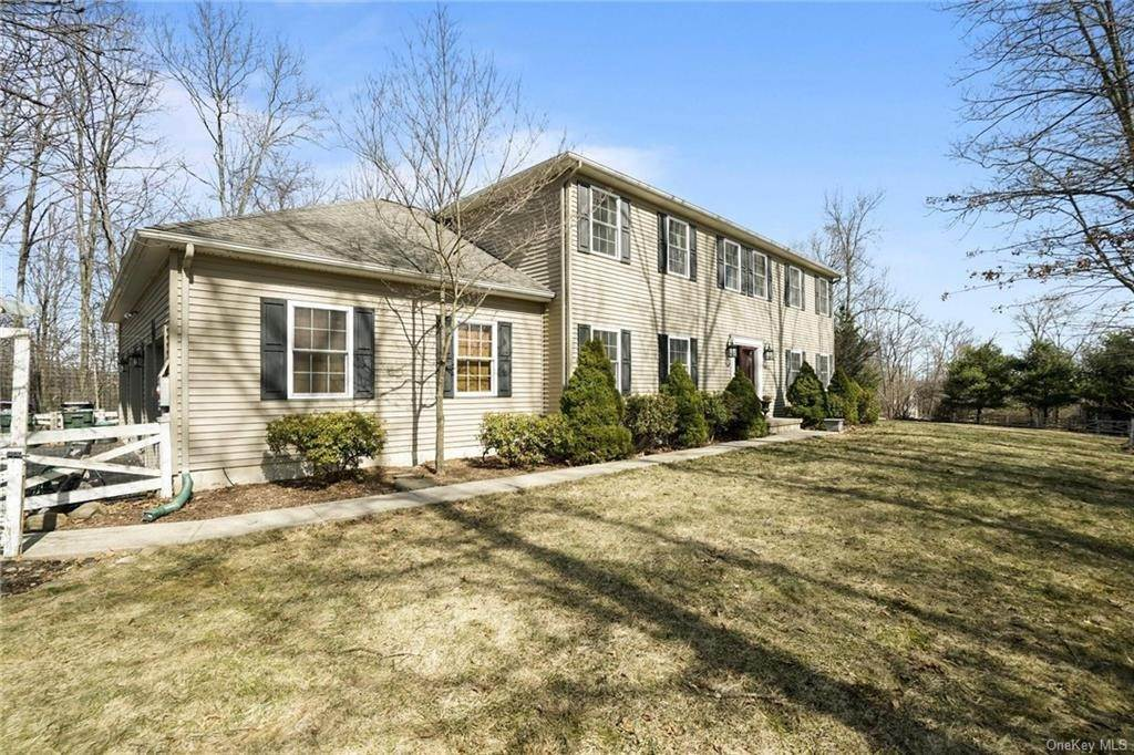 4. Single Family Home for Sale at 19 Coleman Drive Campbell Hall, New York, 10916 United States