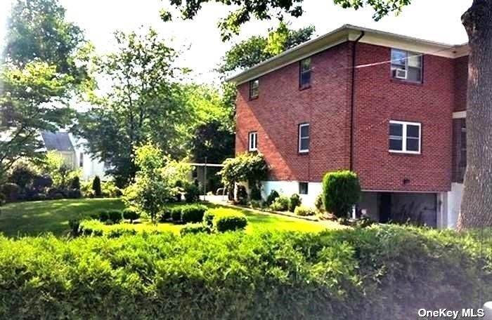 4. Single Family Home for Sale at 5 Rosedale Avenue New Rochelle, New York, 10801 United States