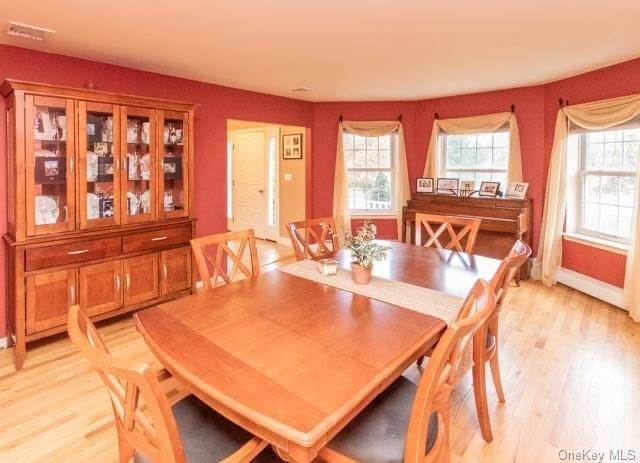 4. Single Family Home for Sale at 2 Sequoia Trail Highland Mills, New York, 10930 United States