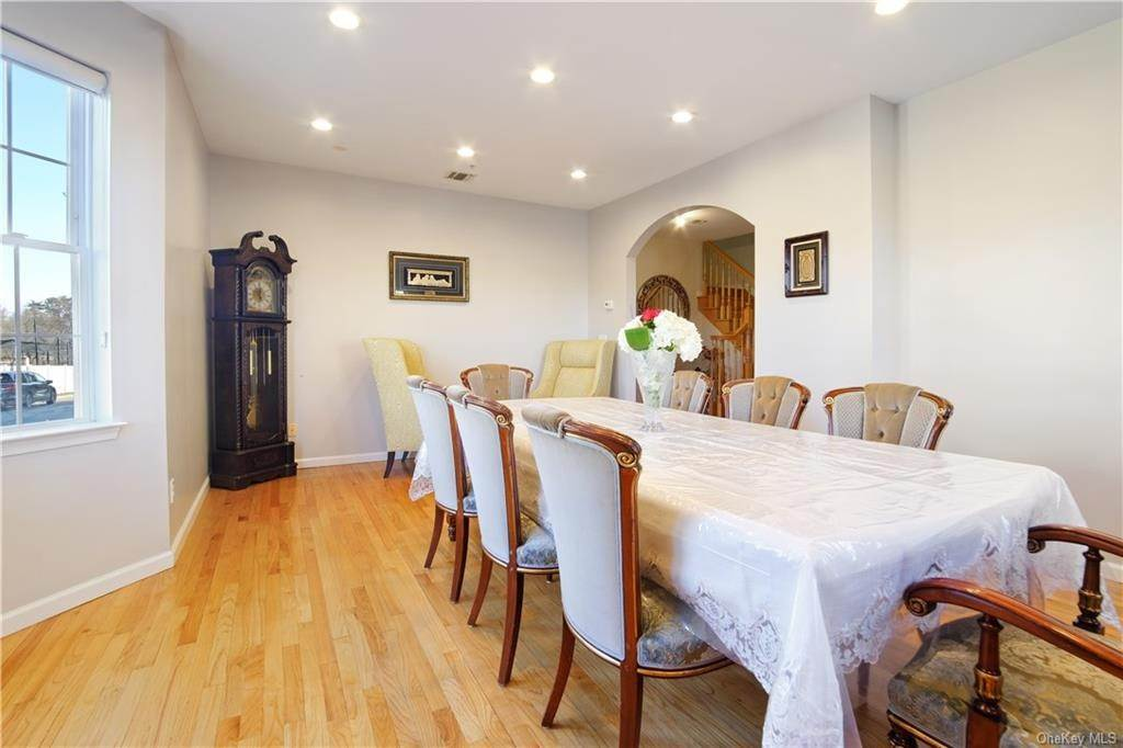 4. Single Family Home for Sale at 1116 Parkview Drive Spring Valley, New York, 10977 United States