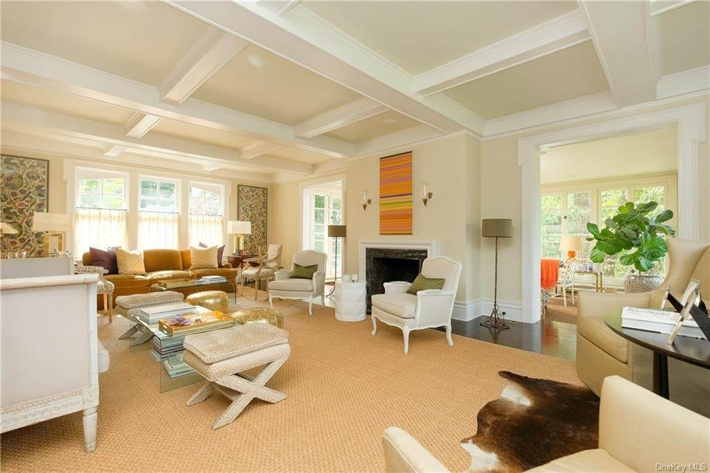 4. Single Family Home por un Venta en 2 Governors Road Bronxville, Nueva York, 10708 Estados Unidos