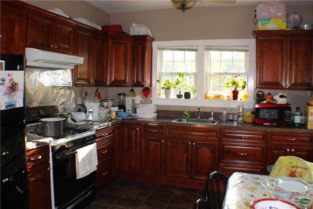 4. Single Family Home for Sale at 10-12 Lakes Road Monroe, New York, 10950 United States