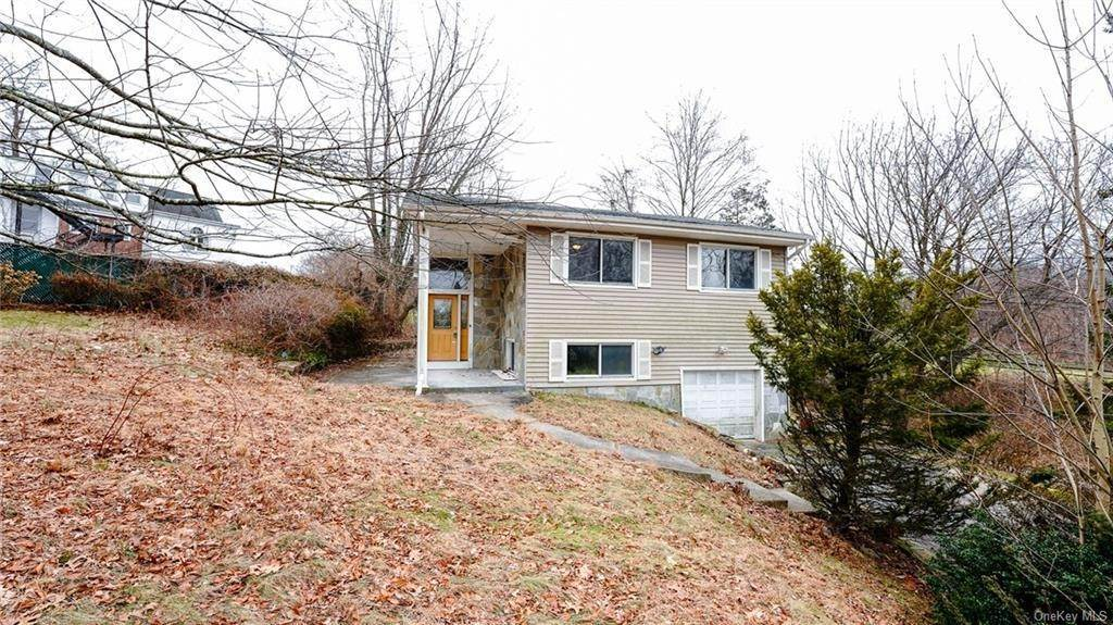 4. Single Family Home for Sale at 2 Teramar Way White Plains, New York, 10607 United States